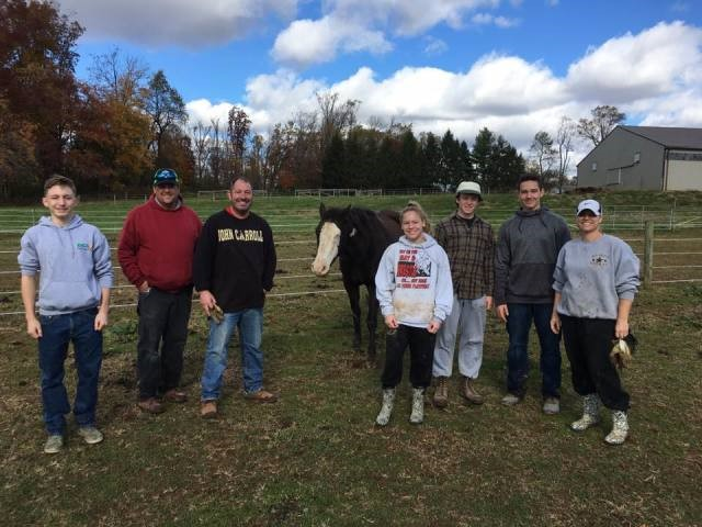 JC Wrestlers Lend a Hand to Chesapeake Therapeutic Riding